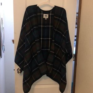 Old navy poncho/ sweater